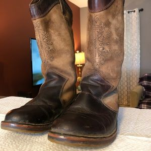 Size 7 ugg cowboy boots *USED*